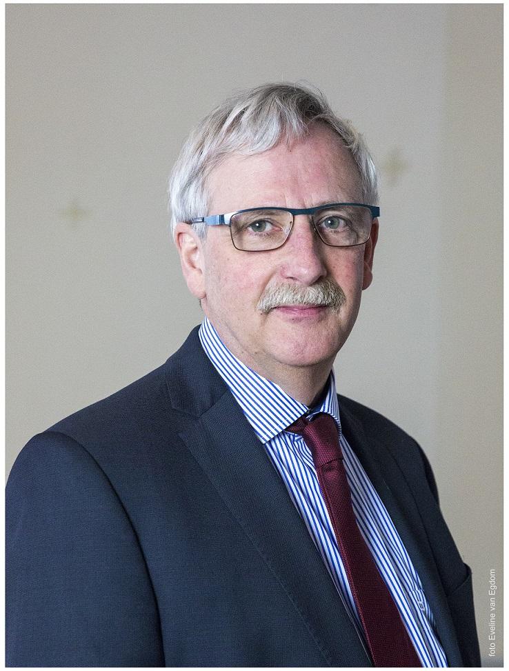 Mr. E.J. Daalder